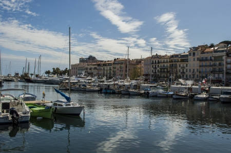 vacance: city of Cannes harbour