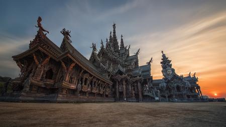 Sanctuaire de la Vérité dans Naklua Pattaya Banque d'images - 74176419