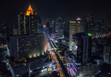 Sukhumvit Road in Bangkok Banque d'images