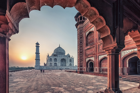Taj Mahal in sunrise light, Agra, India 報道画像