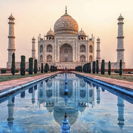 Taj Mahal in sunrise light, Agra, India Фото со стока