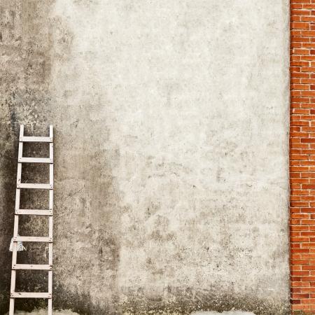 mur de briques surmont� de fond