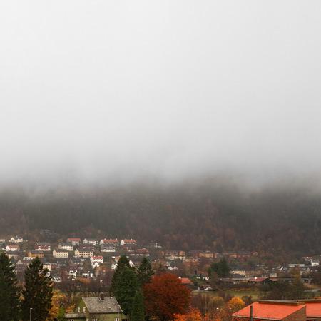 Automne color� et le brouillard dans la montagne, Bergen Norv�ge