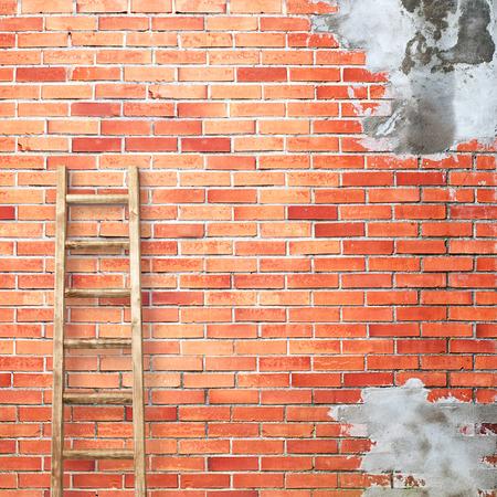 backstairs: alterate muro di mattoni rossi con scaletta sfondo di legno Archivio Fotografico