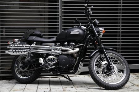scrambler: Black Motorcycles Editorial