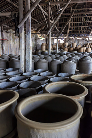traditional chinese: traditional chinese porcelain factory Stock Photo