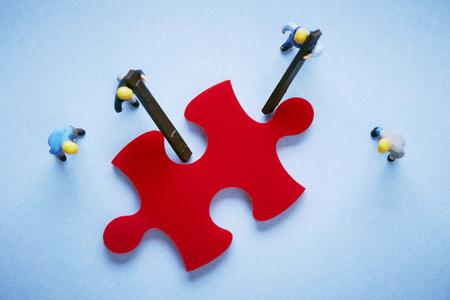 gewerkschaft: Leute mit Puzzleteil Lizenzfreie Bilder