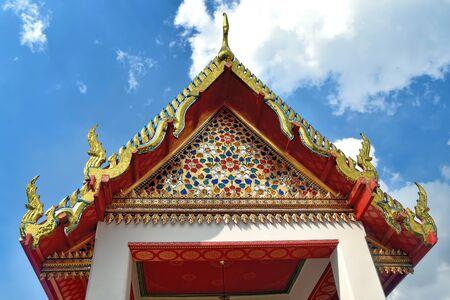 Apex Roof, Buddhist Temple, Bangkok, Thailand. Stock fotó