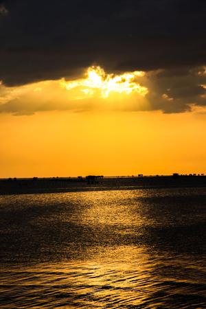Sea sunset in thailand  版權商用圖片