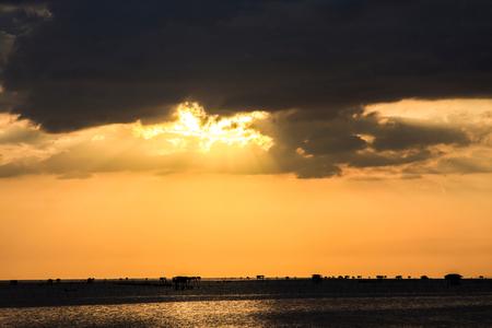 Sea sunset in Bangpu, thailand  版權商用圖片