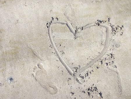 heart on sand beach Stock Photo - 30893860