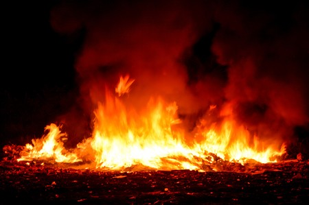 burning time: fire burning in night time