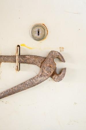 alicates: alicates de acero