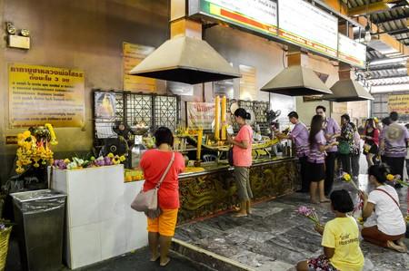 chachoengsao: Tourists in Sothon Taram Worawihan temple. Chachoengsao Thailand Editorial