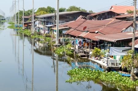 waterfront in Huatakea floating market Bangkok city Thailand 新聞圖片