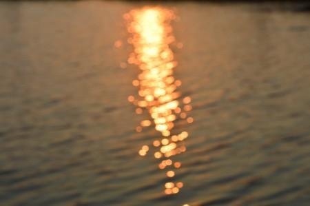 wavelet: blur bokeh water surface