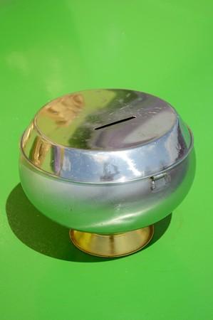 limosna: limosna bowl