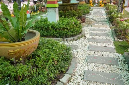 loopbrug in de tuin Stockfoto