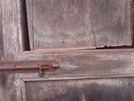 latch: close up latch on old door