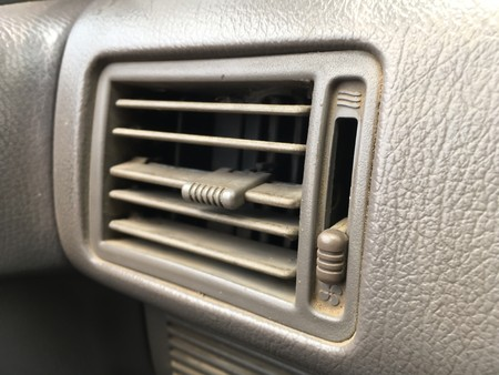 air car conditioning hole