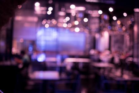抽象的な背景としてのパブやレストランをぼかし 写真素材