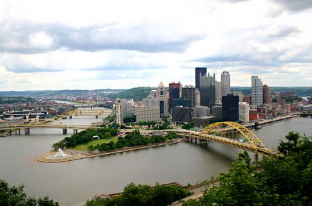 incline: A skyline of Pittsburgh PA taken from the Incline.