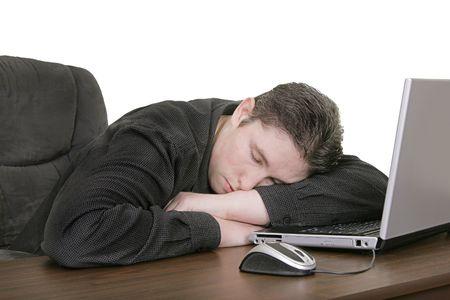 bloke: luomo di funzionamento � caduto addormentato al calcolatore