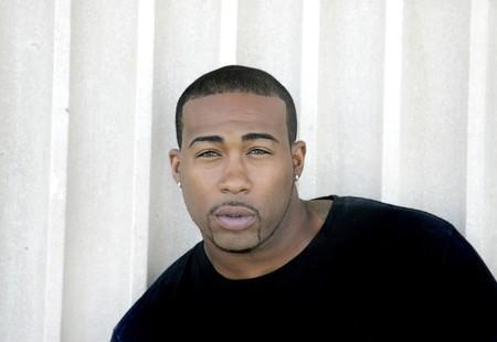 closeup Headshot portret van een sterke zoekt African American man