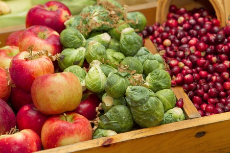 many apples, berries and small vegetables in a group Banque d'images