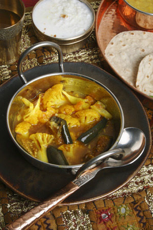 indian cookery: Cauliflower Brinjal Curry