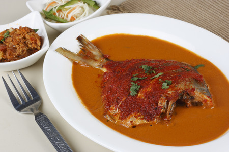 indian cookery: Pomfret Curry - A curry made of Pomfret fish in Goa, Western India