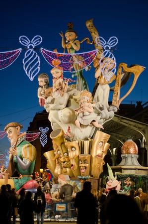 eventually: VALENCIA, Spagna - 18 marzo: Il Fallas � una festa tradizionale in cui centinaia di sculture in papier mache vengono poi bruciate nella notte di San Giuseppe, 18 marzo 2013 a Valencia, Spagna