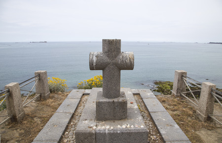 english famous: Grave of famous French writer Chateaubriand on the English channel coast in Saint Malo Brittany France