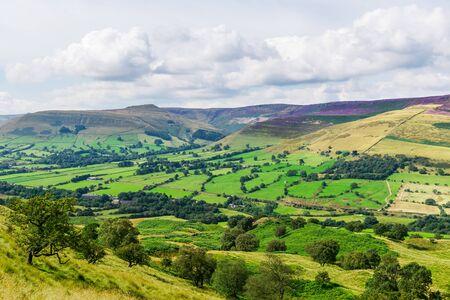 Mam Tor hill near Castleton and Edale in the Peak District National Park, England, UK Banco de Imagens