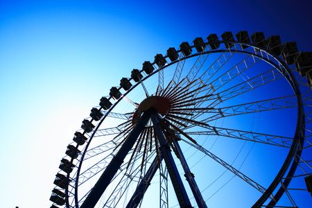 ferris wheel deep blue Stock Photo - 3039409