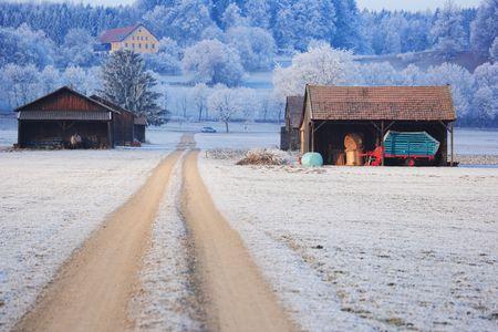 barns winter: barns in winter