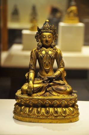 gilt: Gilt bronze Shakyamuni Buddha statue