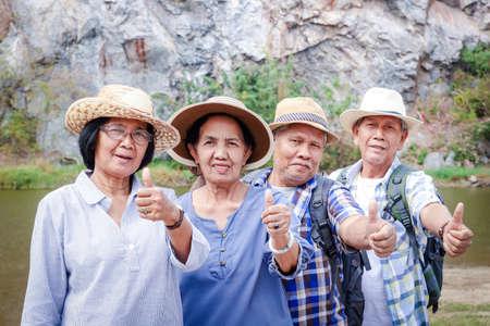 Elderly group Trekking the High Mountain Enjoy life after retirement. Elder community concept Stockfoto