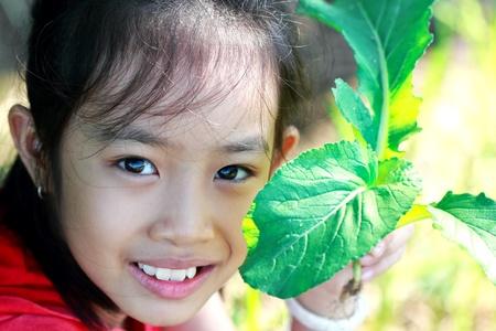 nontoxic: Pretty girl and non-toxic vegetable