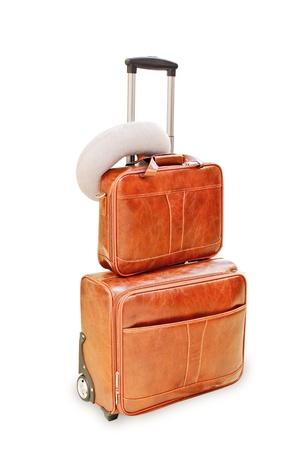 Duża walizka na białym tle