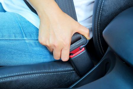 シートベルト安全事故、運転席