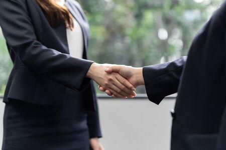 Business Woman Women Shake Hands Standard-Bild - 134774570