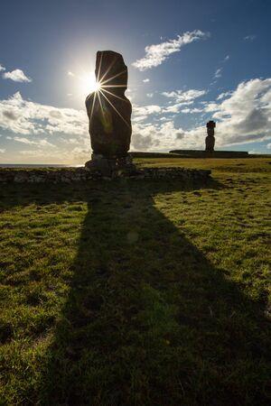Moais in Ahu Vai Uri, Tahai Archaeological Complex, Rapa Nui National Park, Easter Island, Chile. 写真素材 - 127423157