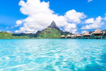 Bora Bora Island, French Polynesia. Web banner in panoramic view this amazing Beach Archivio Fotografico