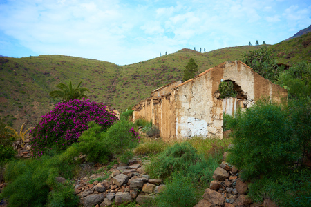 crumbled: Ruin in the mountains of Gran Canaria Old crumbled house in a canyon on Canary Islands