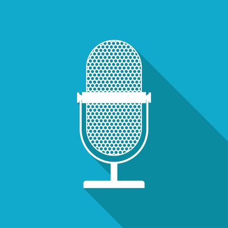 microfono antiguo: Vector blanco plana icono de micr�fono retro en fondo azul