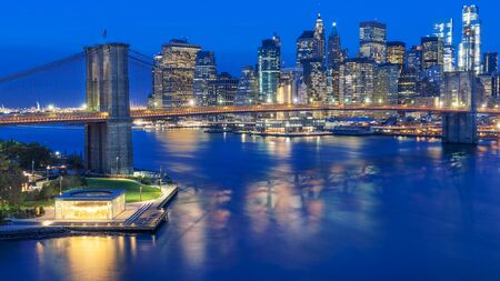 View of Lower Manhattan and Brooklyn Bridge, New York City 写真素材 - 129904957