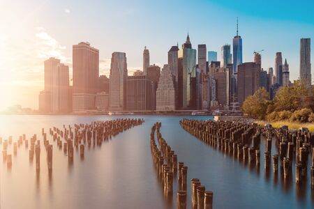 stunning views of the lower manhattan before sunset Фото со стока - 136614525