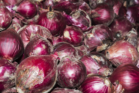 moldy: Red moldy onions