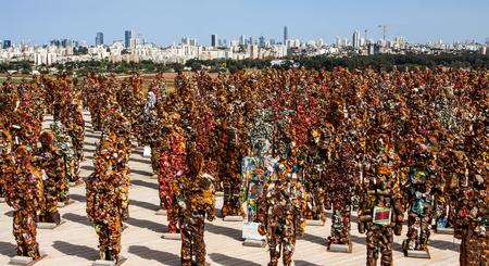 waste material: TEL-AVIV, ISRAEL - APRIL 19: sculptures made of waste material titled Trash People by German artist HA Schult on April 19, 2014 in Tel-Aviv, Israel.